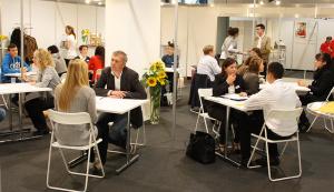 Das erste Lehrstellen-Speed-Dating an der 5. Basler Berufs- und Weiterbildungsmesse.